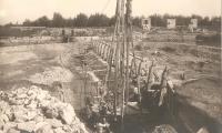 Lavori di costruzione della chiusa Rasponi sui Fiumi Uniti